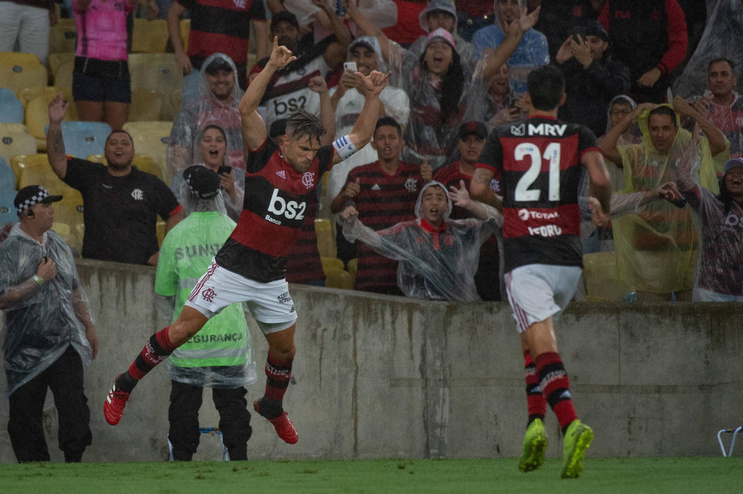 Jorge Jesus libera Flamengo para Carnaval e espera milagre dos médicos