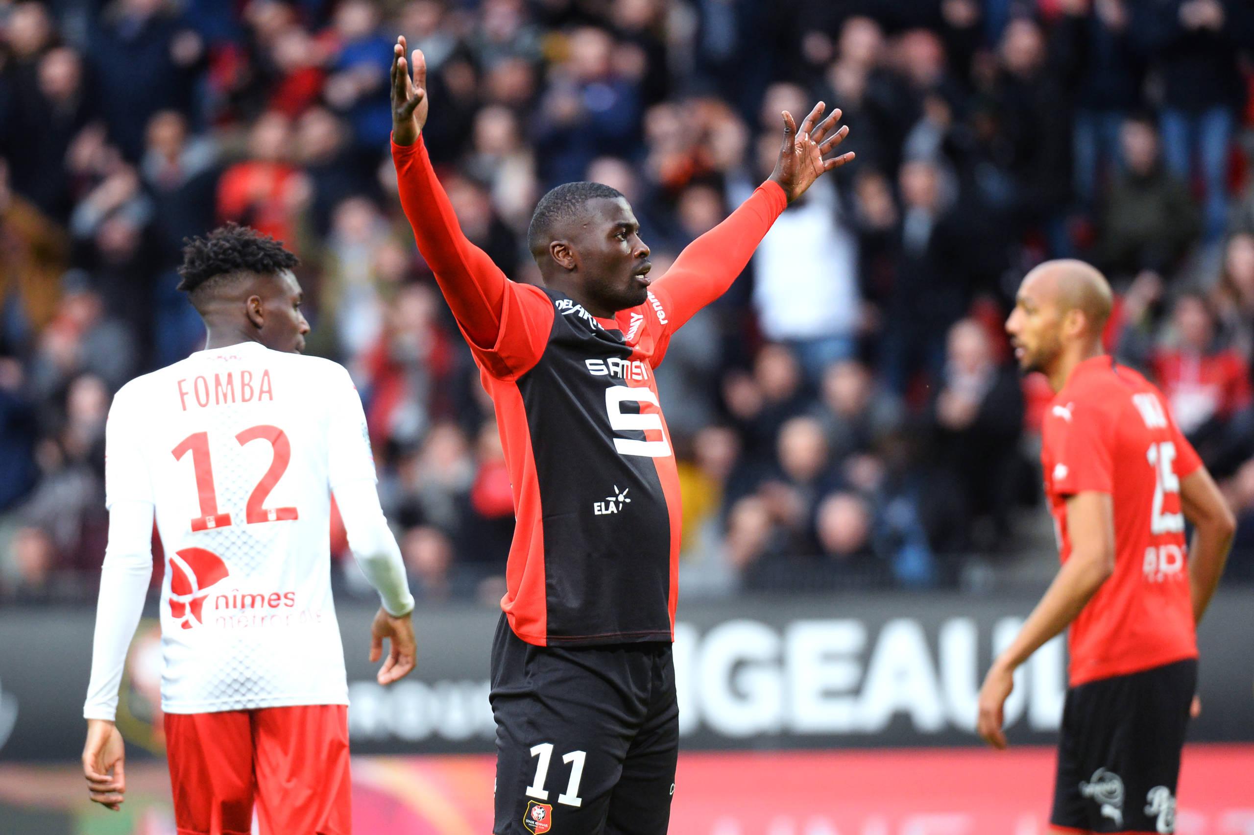 Niang faz dois e Rennes vence Nimes de virada no Campeonato Francês