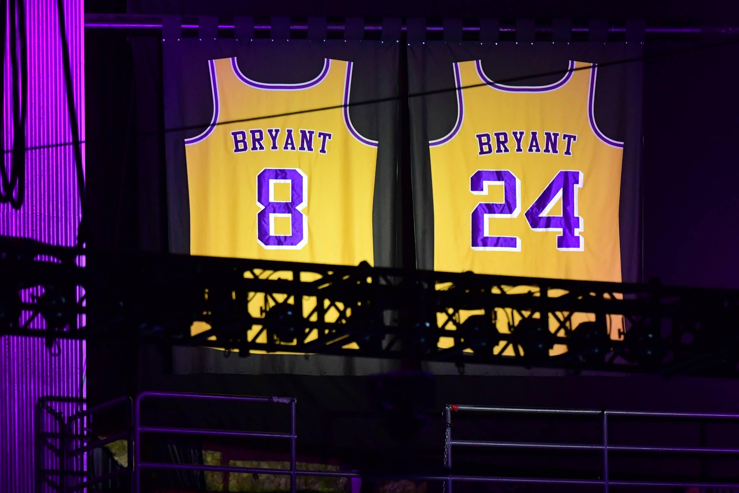 Confira fotos da cerimônia em homenagem à lenda Kobe Bryant nos EUA