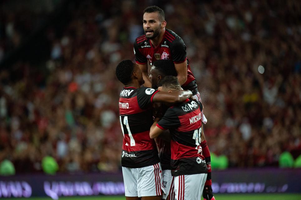 Flamengo ganha seu primeiro título internacional no Maracanã
