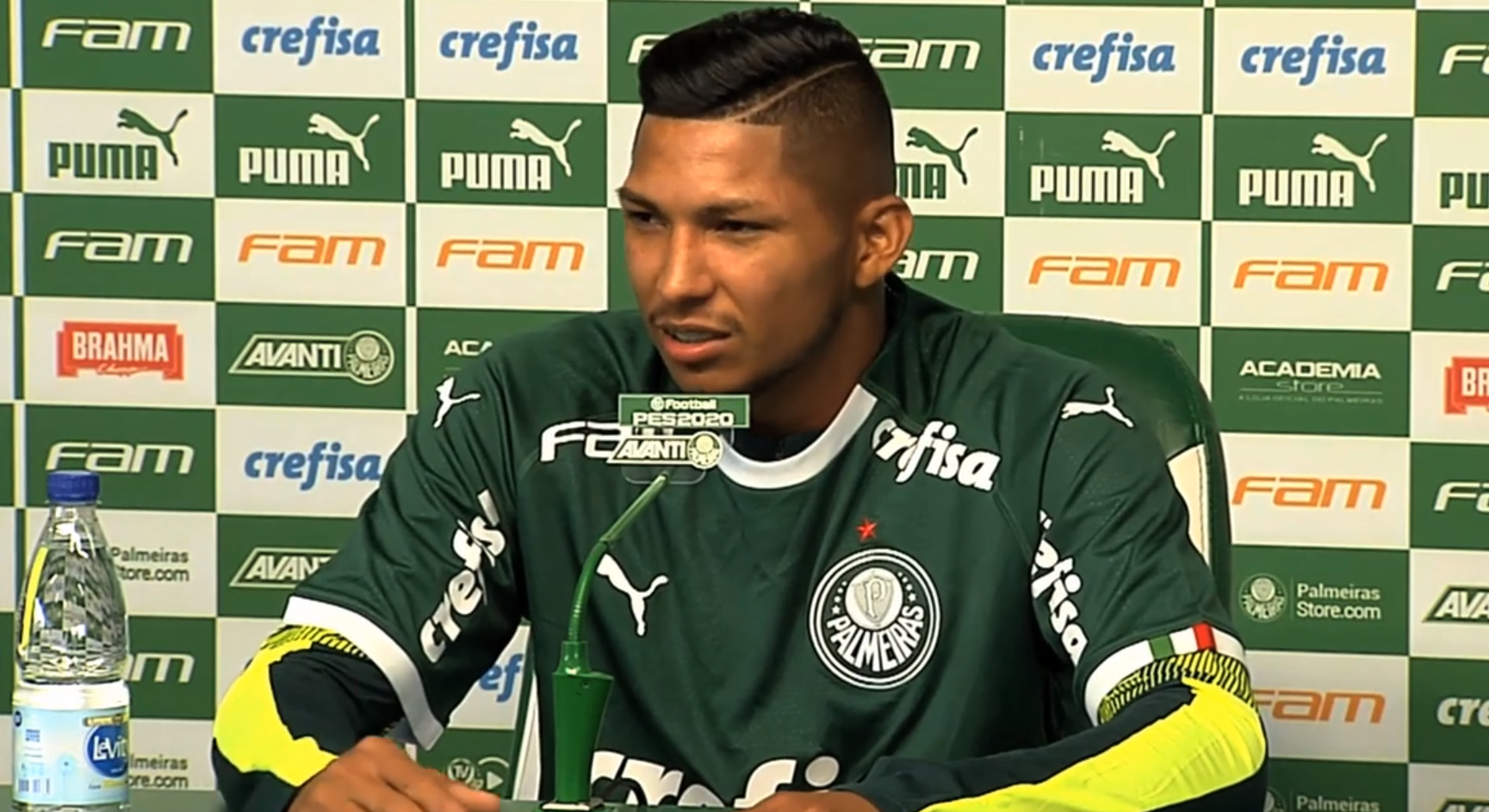 Rony fala do interesse do Corinthians