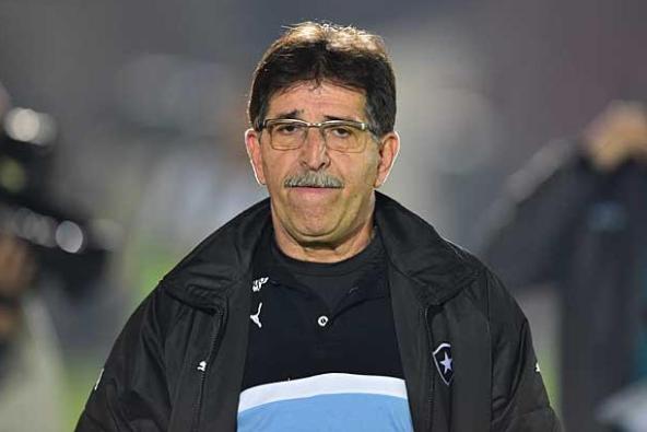 René Simões é diagnosticado com coronavírus