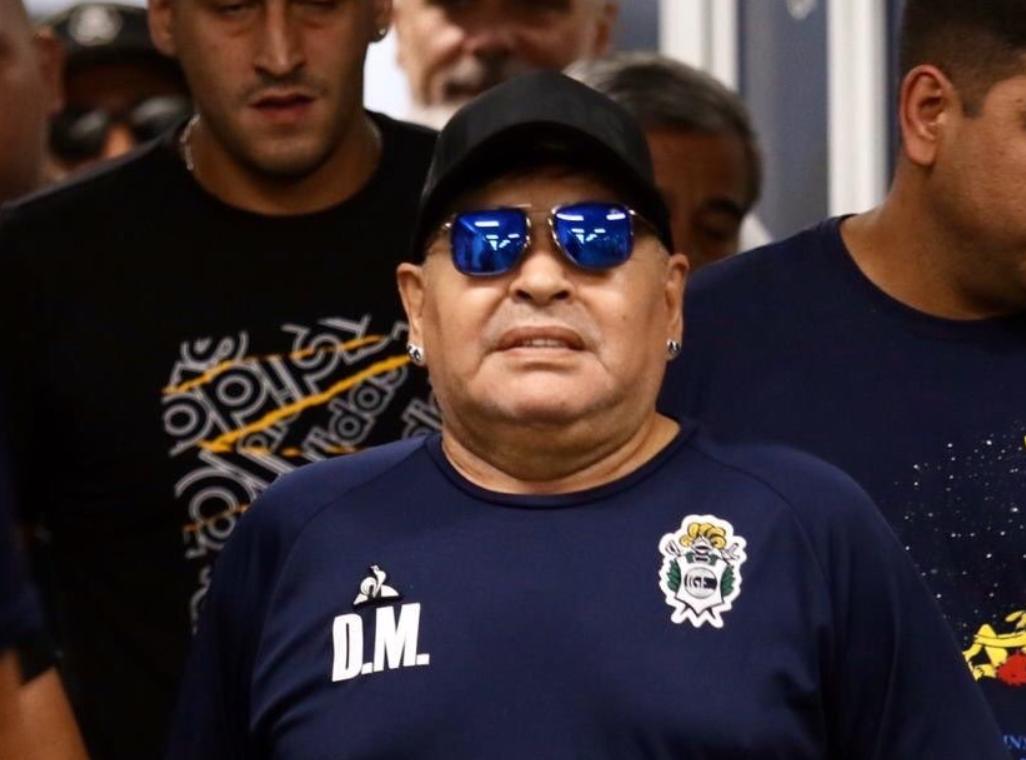 Maradona critica calotes de clubes com jogadores que ganham menos