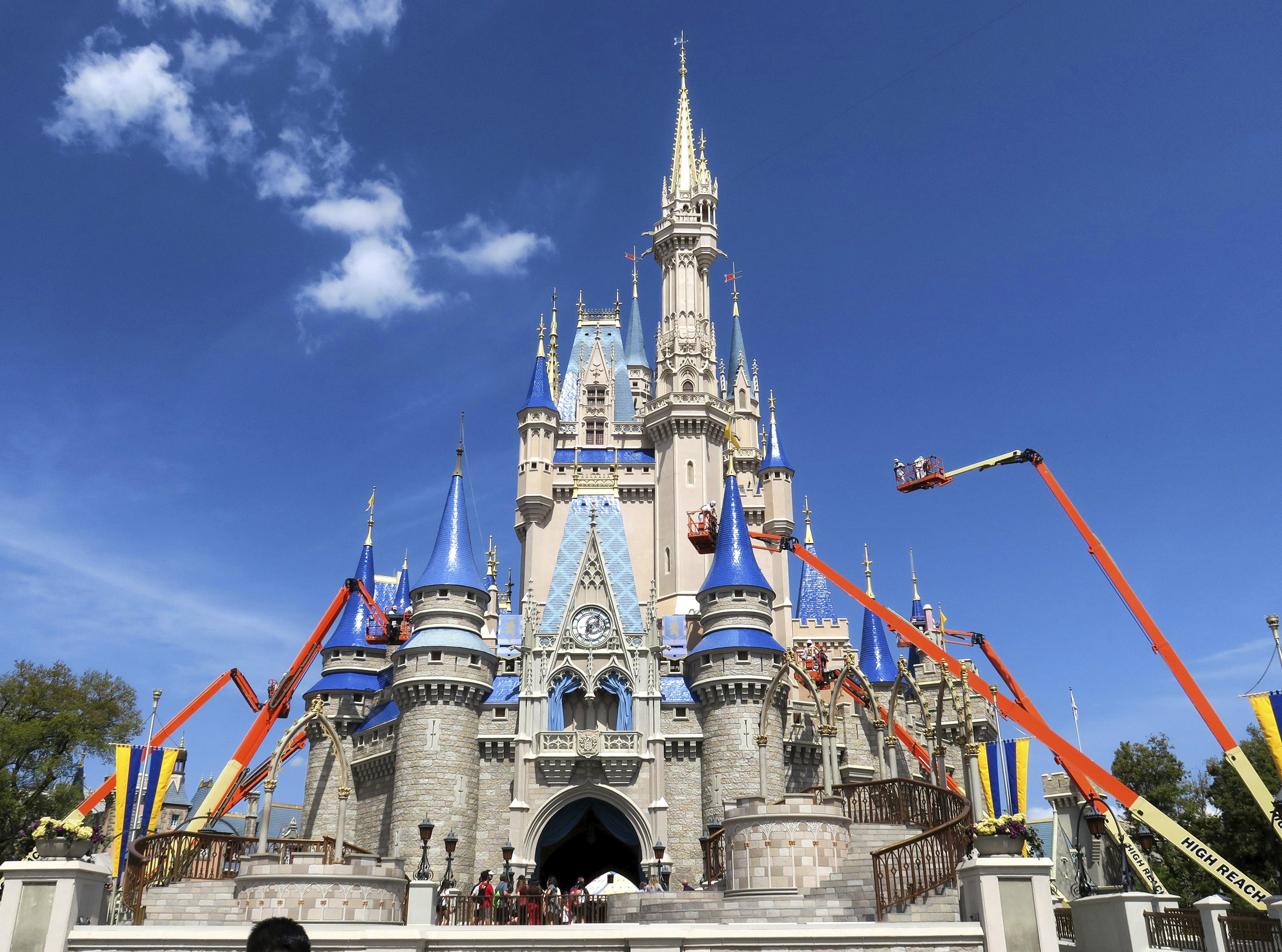 Disney pode verificar temperatura de visitantes quando parques reabrirem, diz presidente