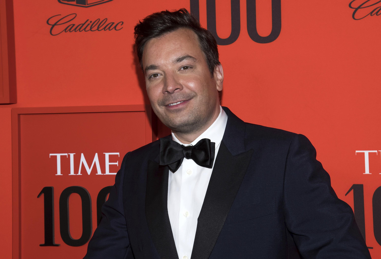 Jimmy Fallon pede desculpas por blackface no 'Saturday Night Live' após imagens ressurgirem nas redes