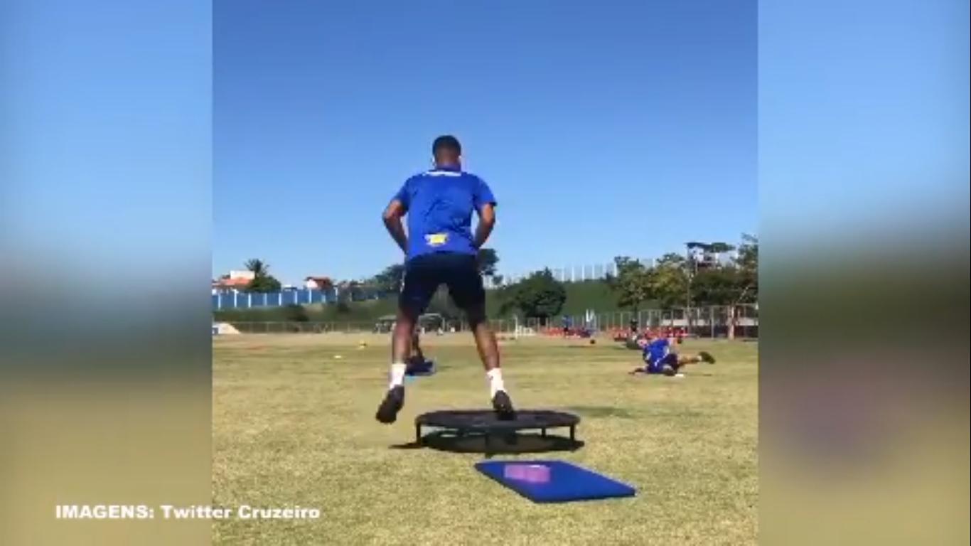 Jogadores do Cruzeiro mantém ritmo intenso nos treinos