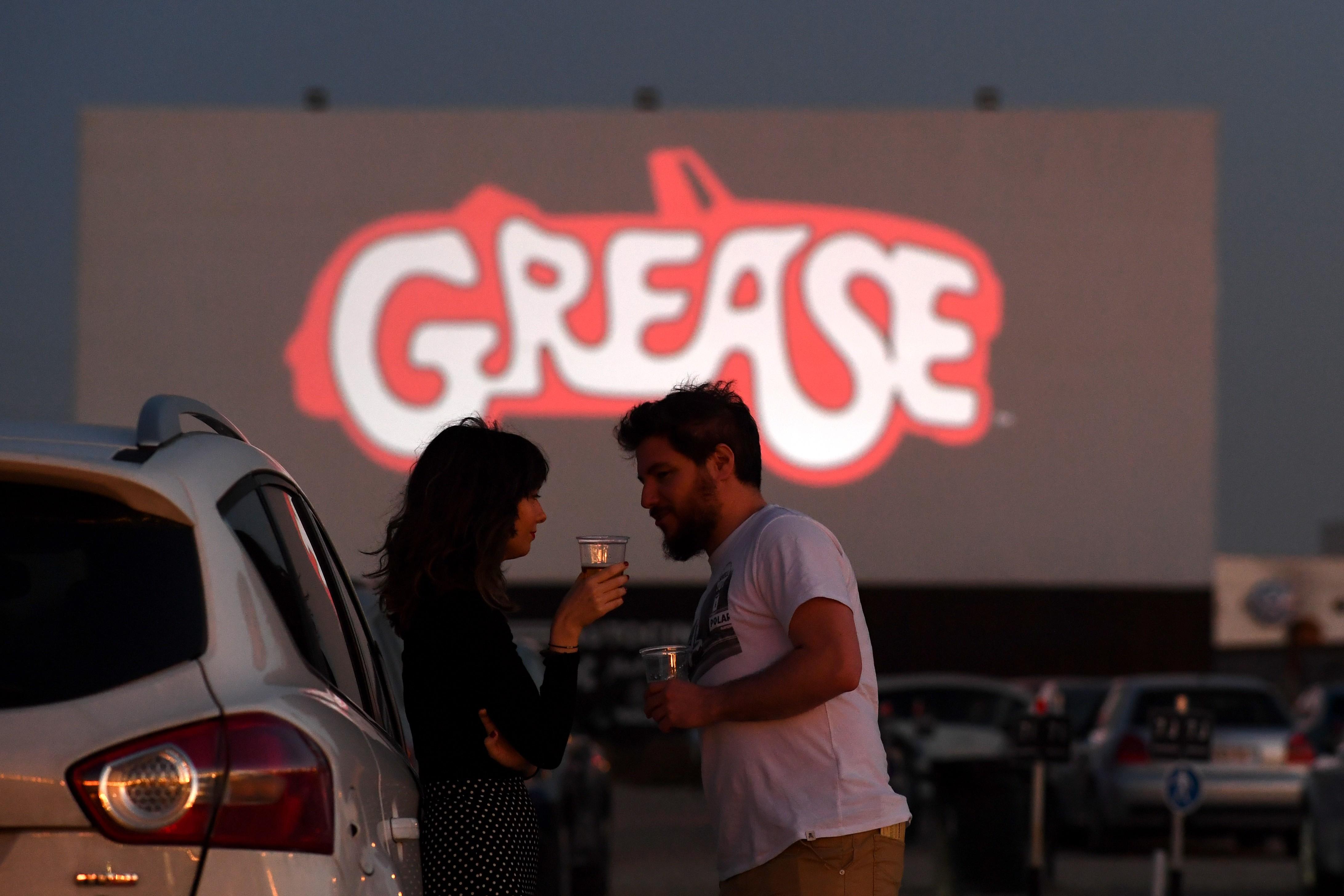 Cinema drive-in de Madri faz estreia com 'Grease: Nos tempos da brilhantina'