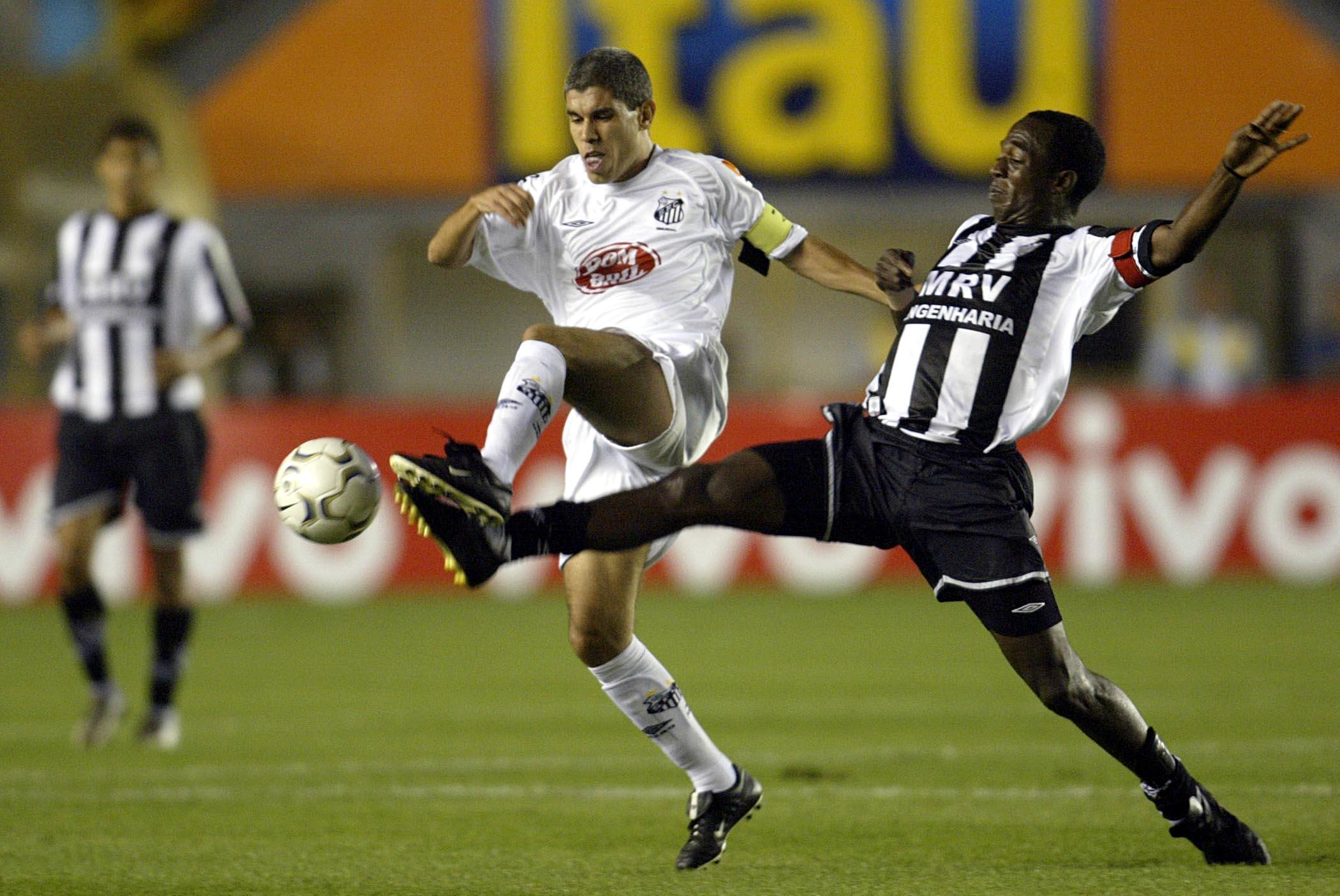Há 16 anos, Ricardinho estreou, Renato se despediu e Diego fez último gol pelo Santos