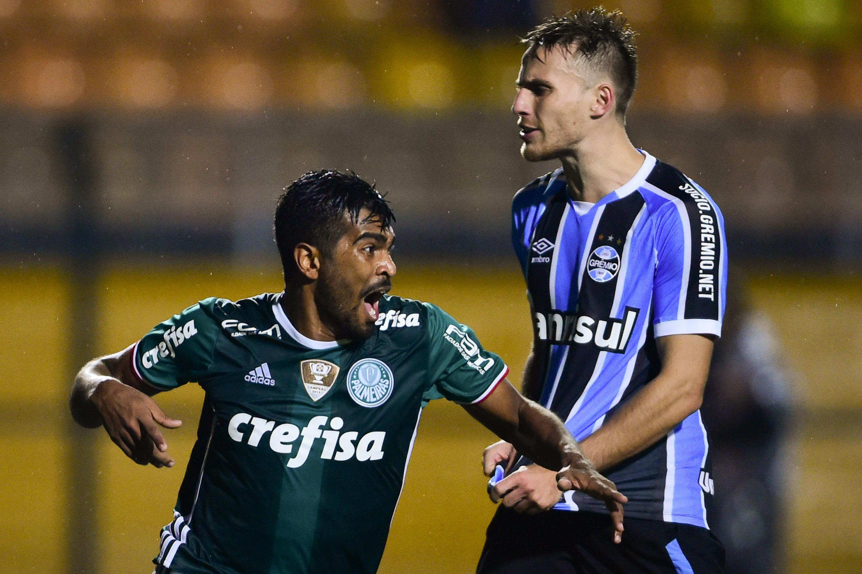 Palmeiras mostra gols e lembra vitória sobre Grêmio rumo ao enea