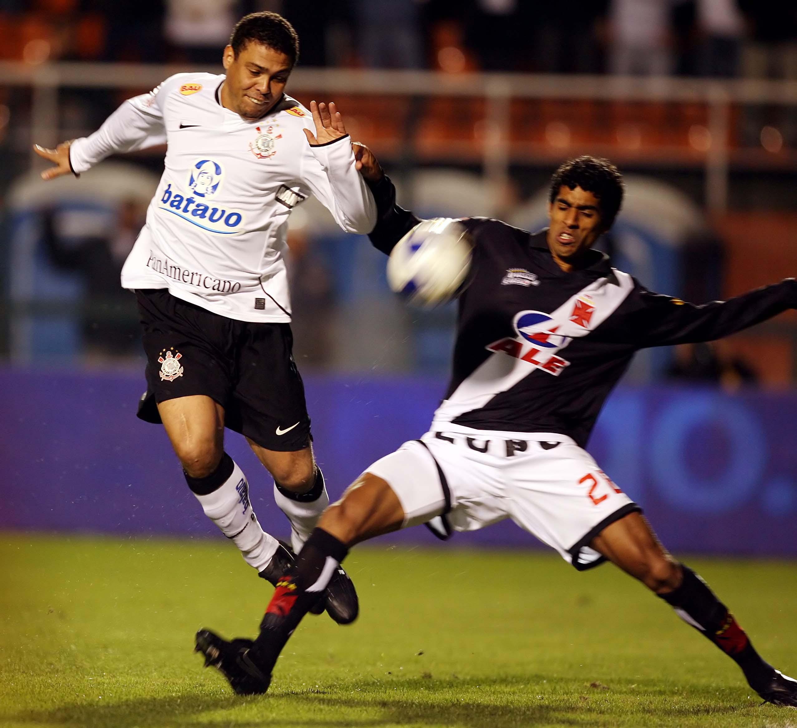 Relembre fotos do jogo que colocou o Corinthians na final da Copa do Brasil de 2009