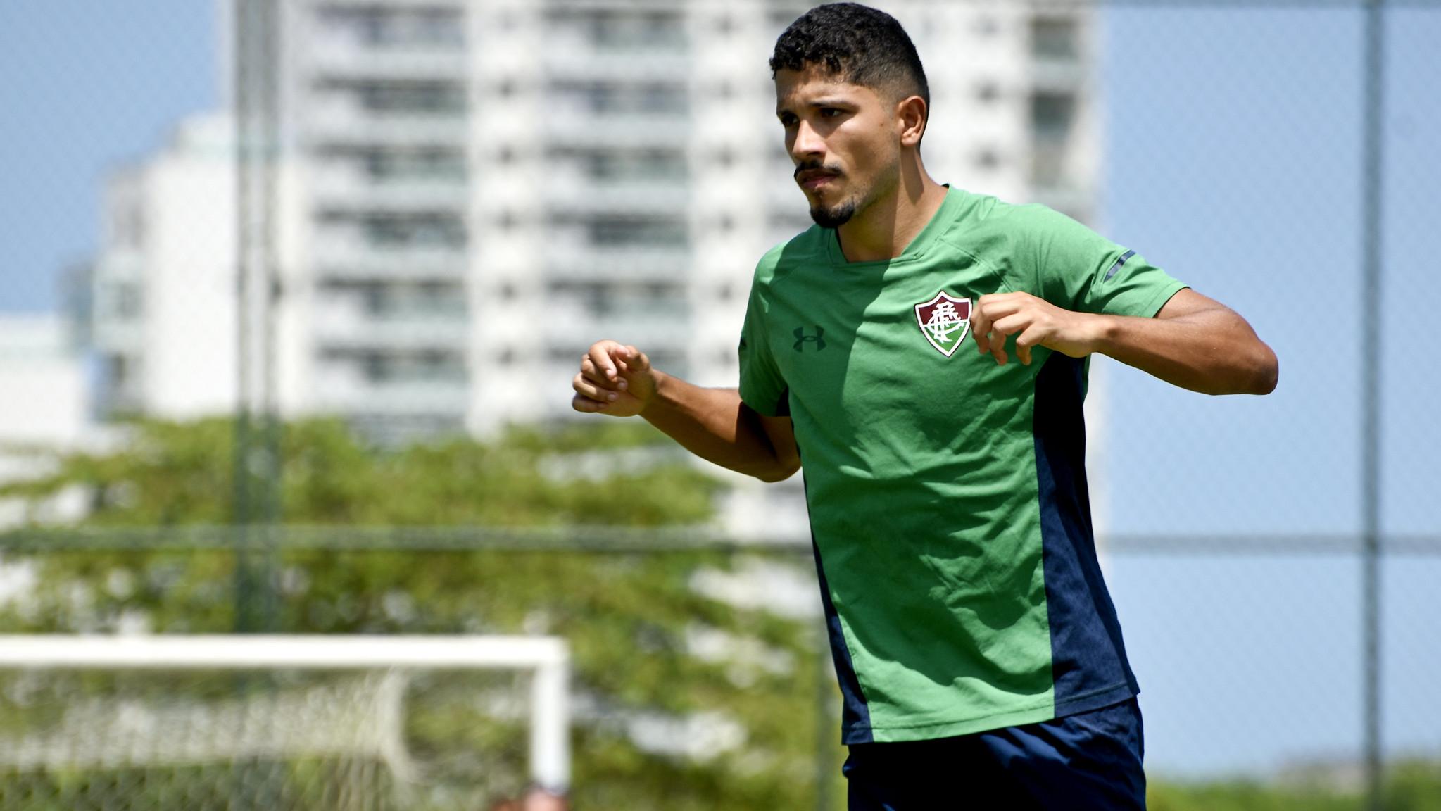 Empresário de Yuri revela possível volta aos treinos presenciais no Fluminense